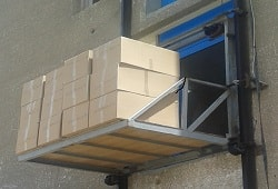 طبلية [مصعد] رفع بضائع - شركة سول ووتر لفلاتر المياه - اثناء التشغيل